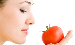 Tomato pulp for face and skin - Homeremediestipsideas