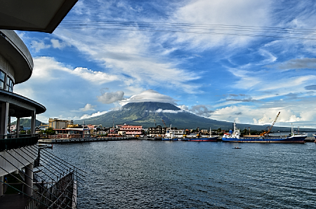 mt mayon seen from embarcadero de legazpi