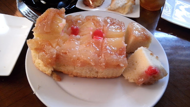 tinapayan festival Pineapple upside down cake, 132.