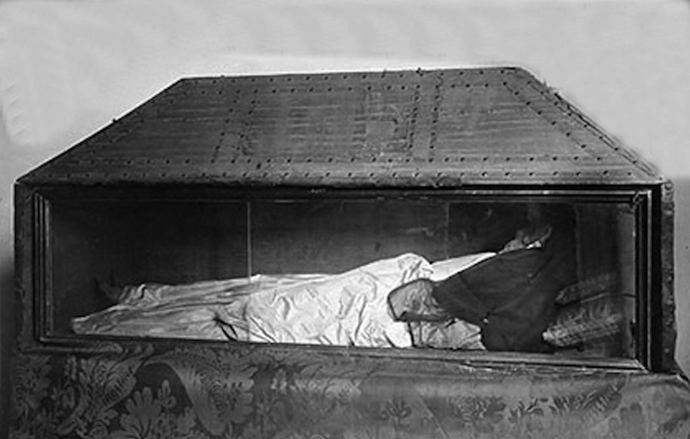 buscando montsalvatge valencia monasterio de la zaid a teresa gil de vidaurre. Black Bedroom Furniture Sets. Home Design Ideas