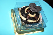 Doorgift-Black N White Cupcake