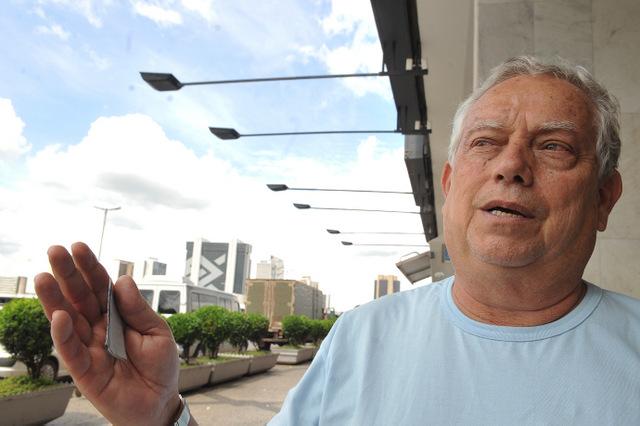 Brasília - O aposentado Davi Pinto descreve os cuidados que toma para cuidar da saúde, no Dia Nacional de Prevenção e Combate à Hipertensão Arterial, no momento em que a Sociedade Brasileira de Cardiologia (SBC) faz campanha com o slogan Menos Sal, Menos Pressão, Mais Saúde