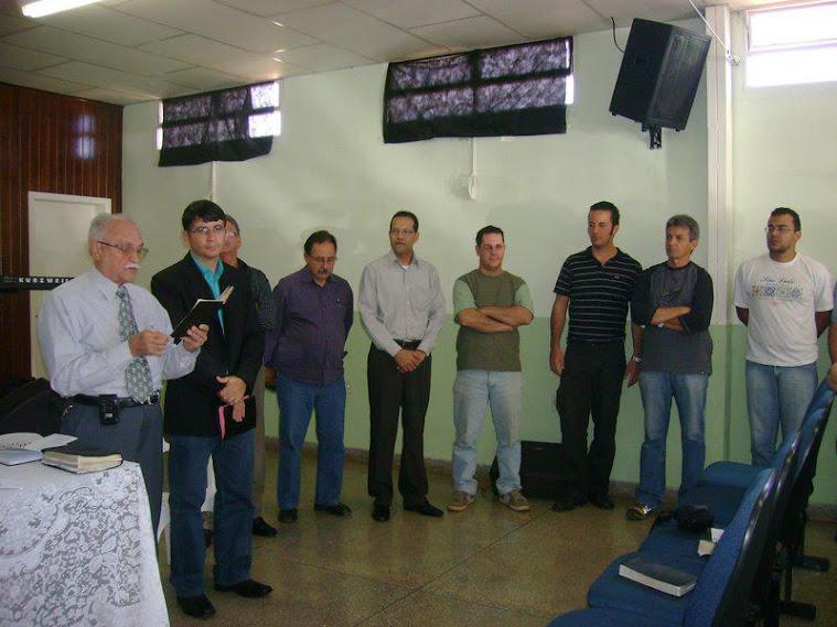 Presbiteros e diáconos eleitos em 2009