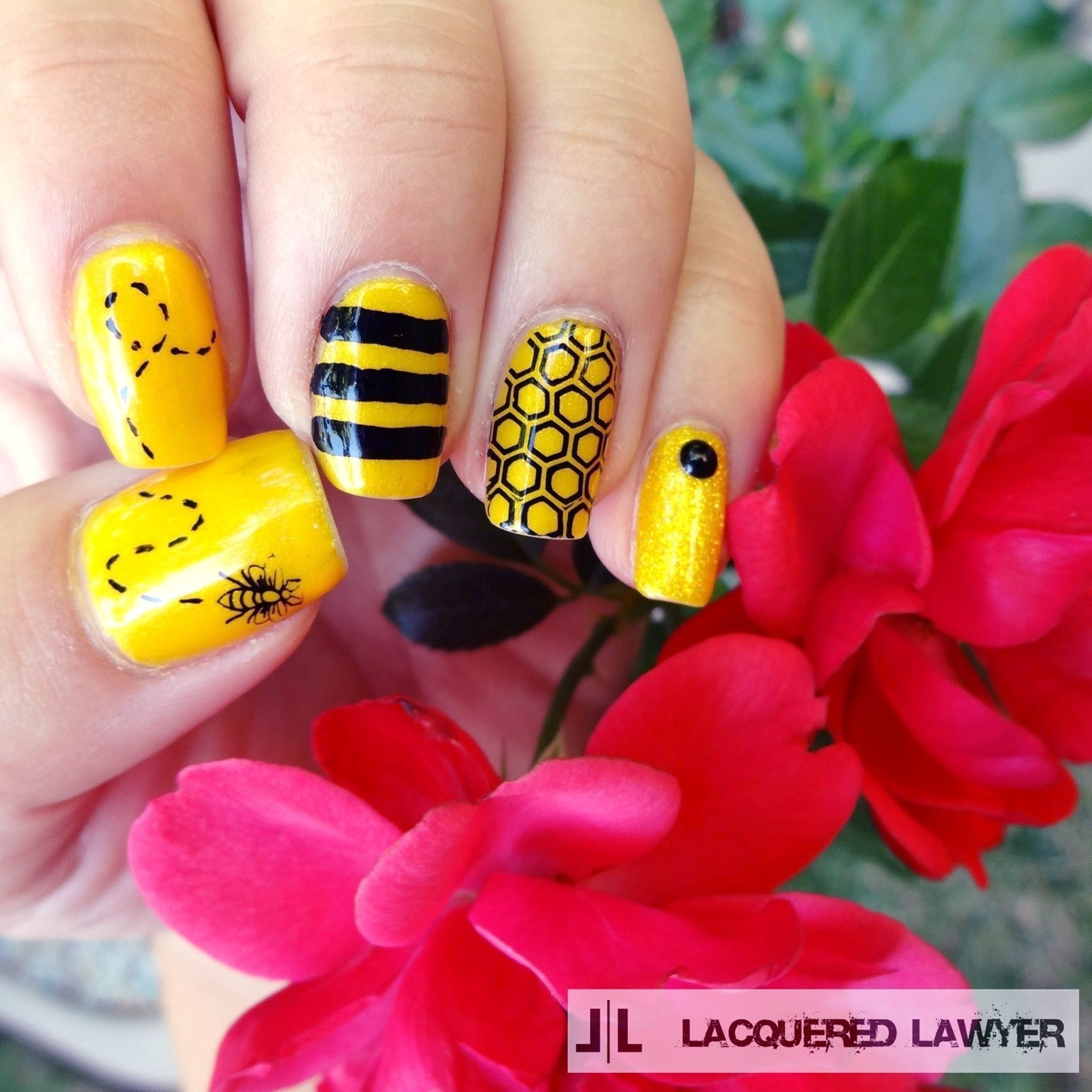 Lacquered lawyer nail art blog busy as a bee busy as a bee bumble bee nail art prinsesfo Image collections