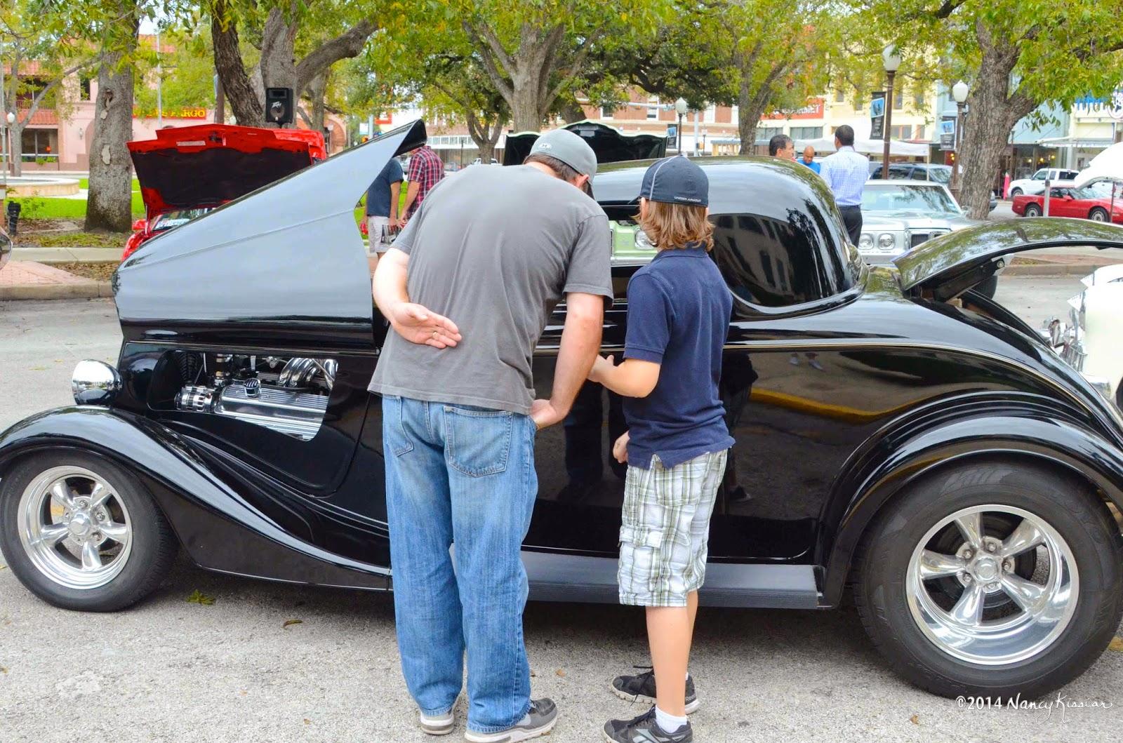 Wild About Texas: Pontiac Club Classic Car Show Delights Seguinites