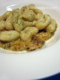 cream-and-mushroom-gnocchi