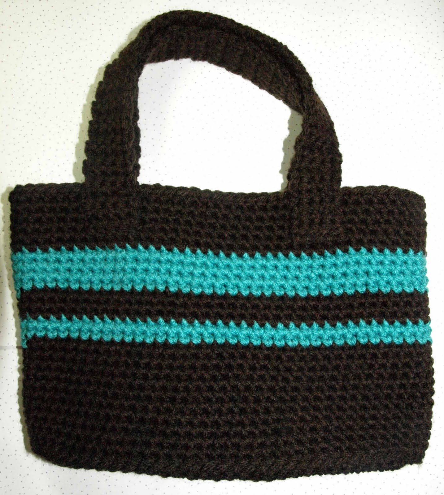 CrochetByKarin: Crochet Purse - free pattern