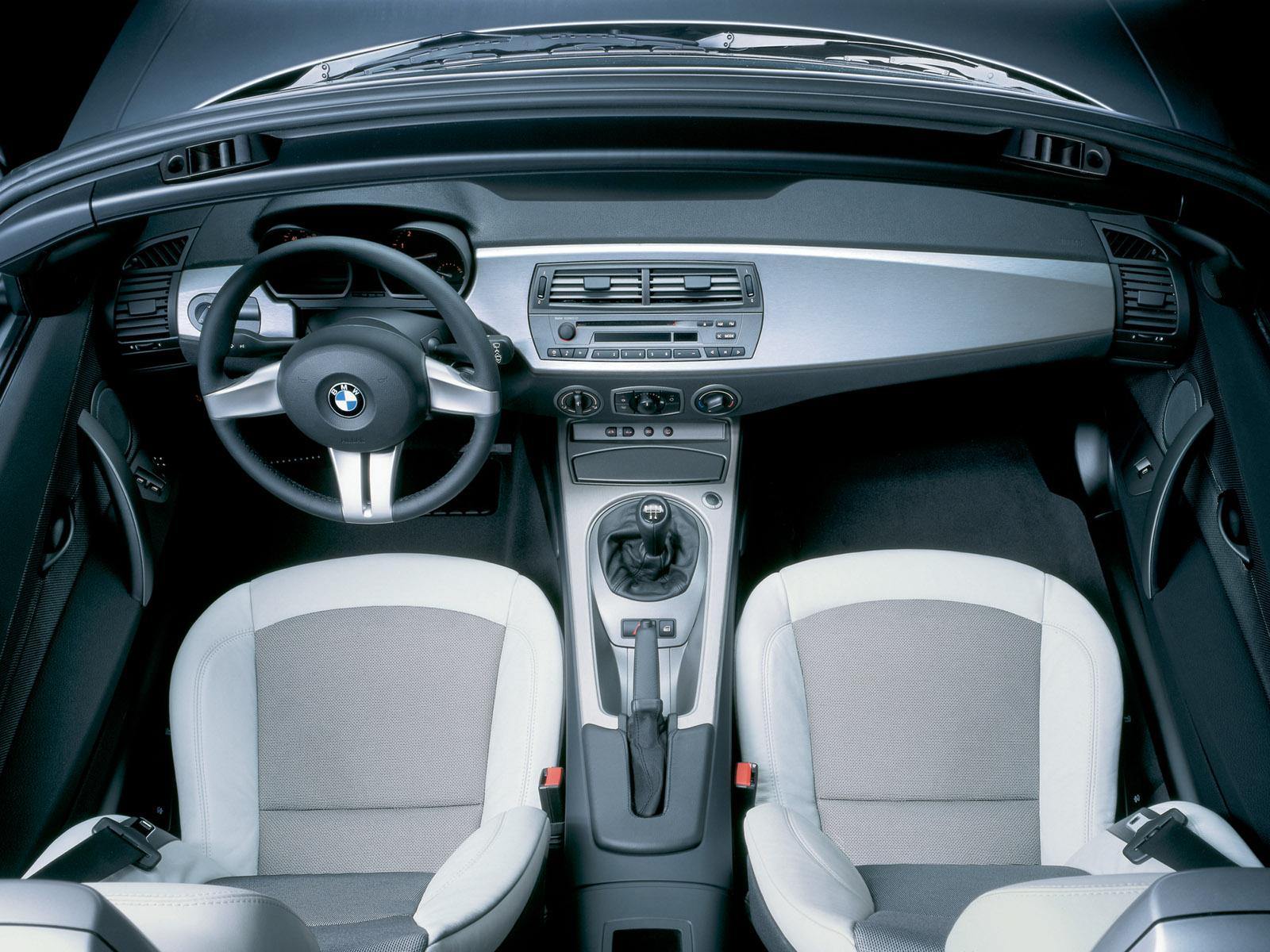 http://1.bp.blogspot.com/-POLtgaGqqVM/T0Wu0WZMSnI/AAAAAAAAJP8/yU4KNuSUYXY/s1600/BMW-Z4-black-interior-wallpaper.jpg