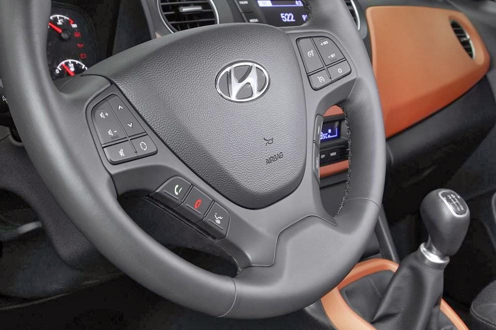 Hyundai i10 detaliu volan