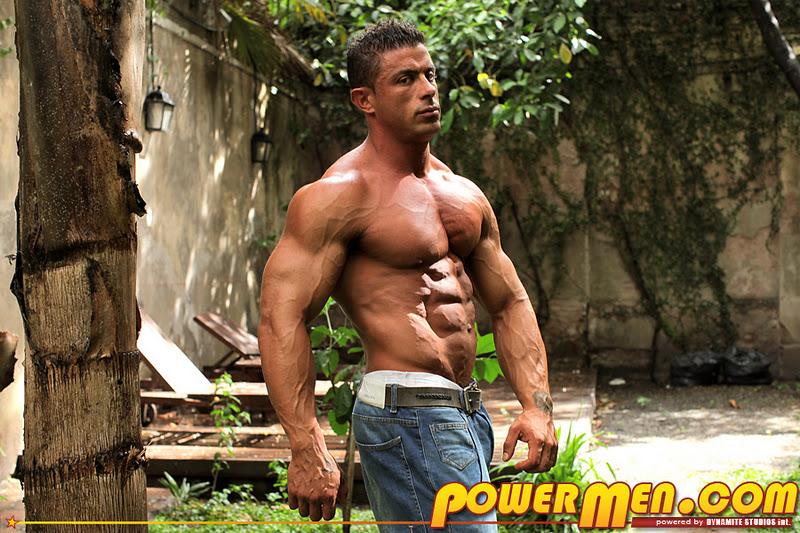 Bodybuilder Beautiful: Leon Jackson