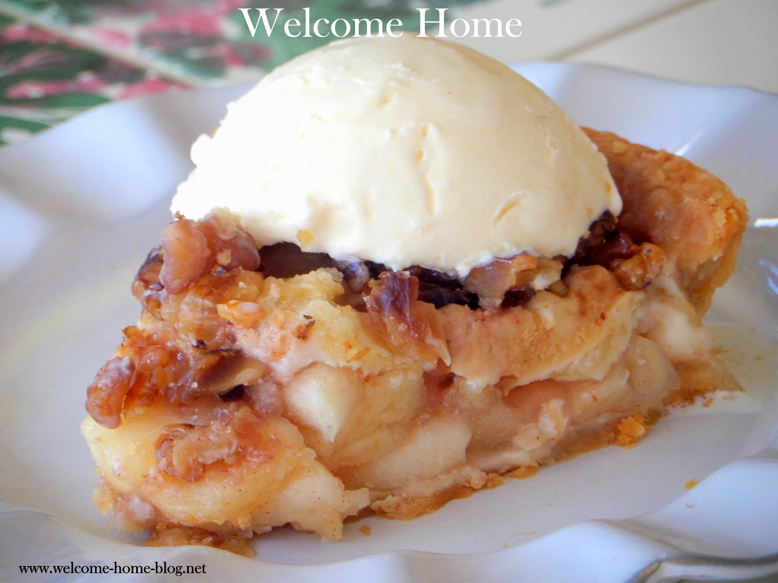Welcome Home Blog: Caramel Apple Pecan Pie