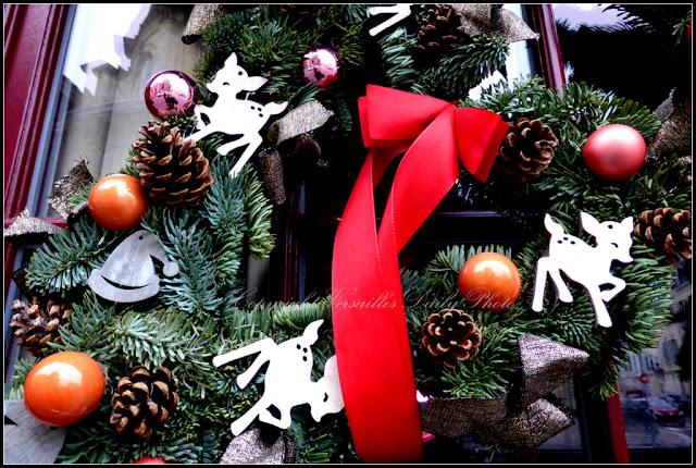Derrière l'église restaurant Notre Dame Versailles Noël