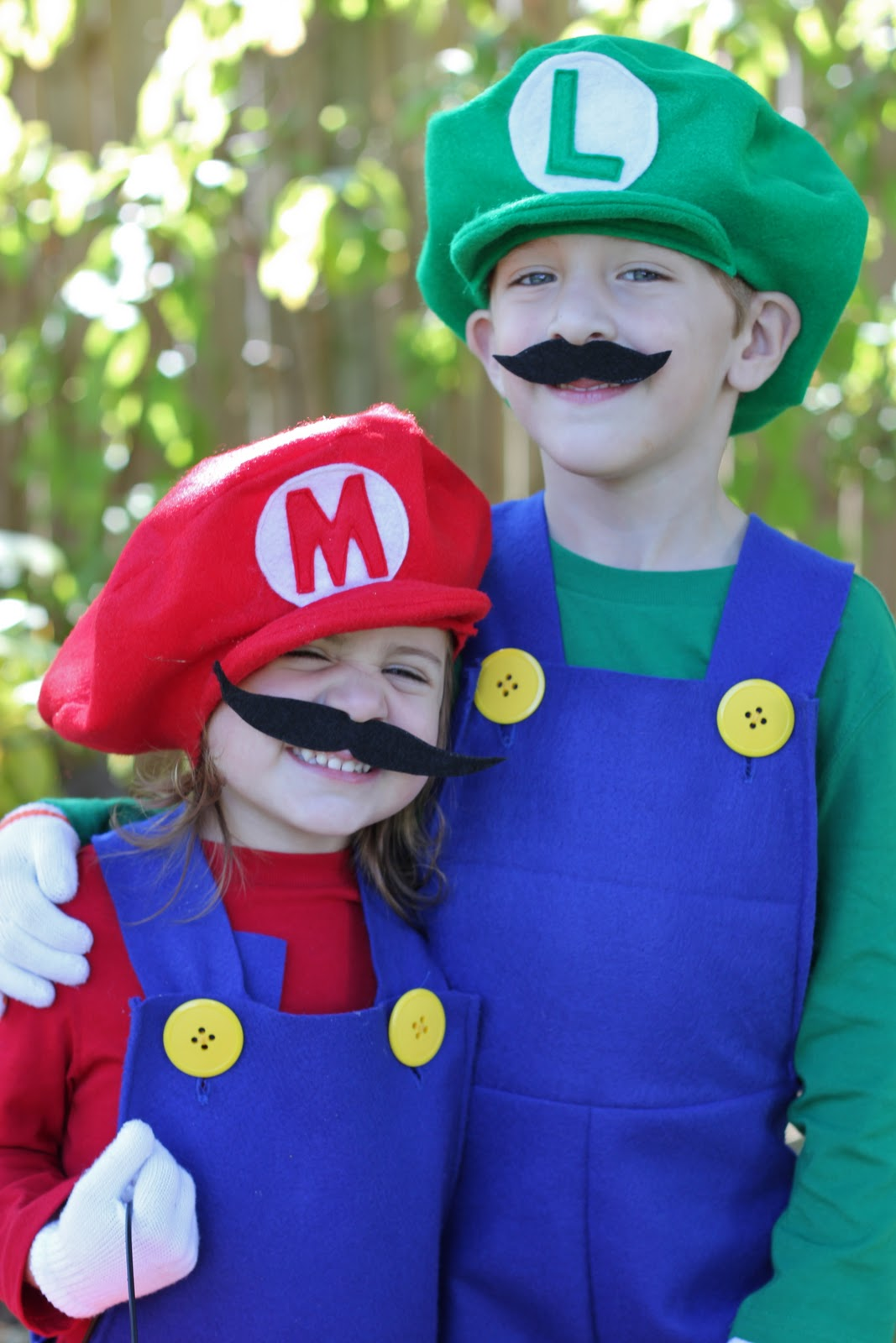 how to make mario and luigi costumes tutorial smashed peas carrots
