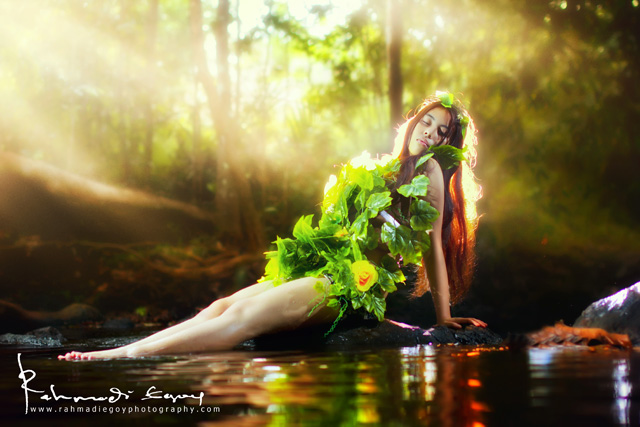 foto model cantik seksi konsep alam liar hutan jungle 3
