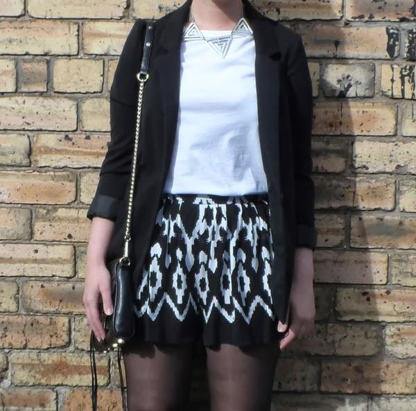 Forever 21 Monochrome Shorts, H&M Blazer, Primark Ankle Boots