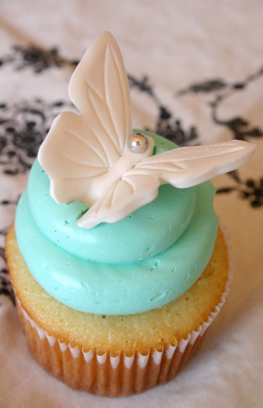 Sweet Lavender Bake Shoppe: butterflies + baby showers