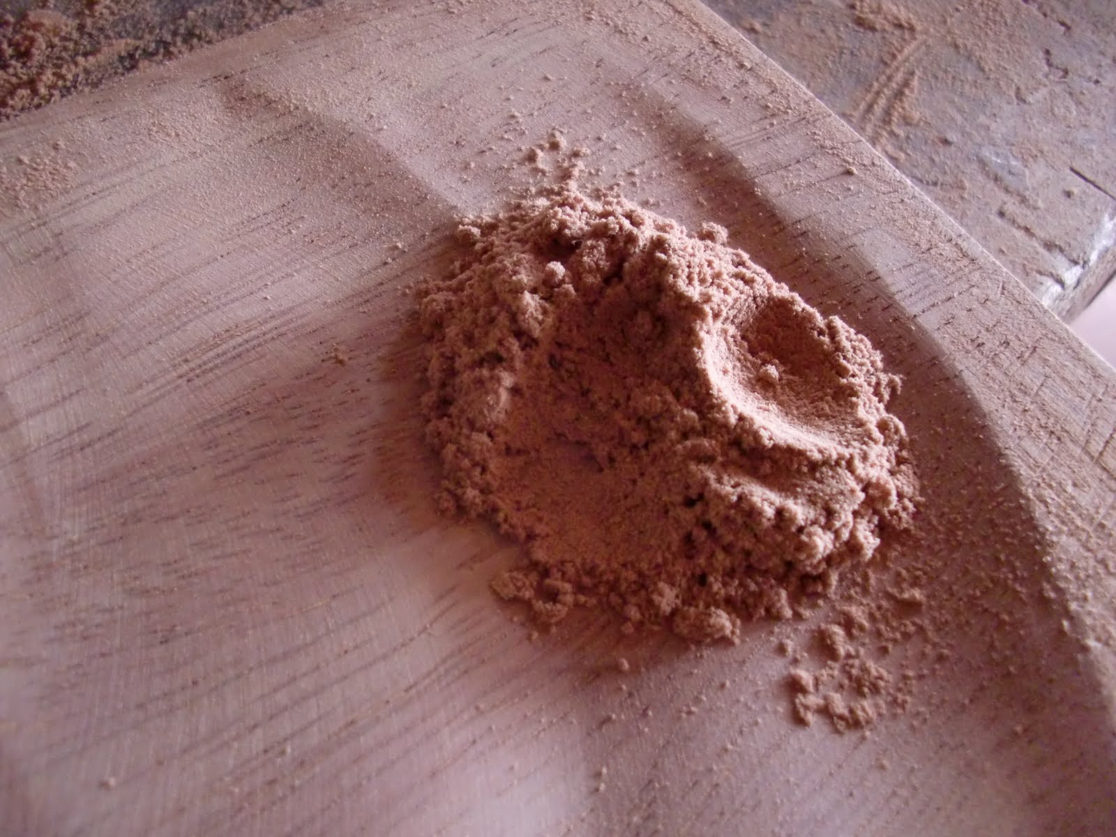 Novak manitas c mo preparar una pasta para madera casera - Masilla para madera casera ...