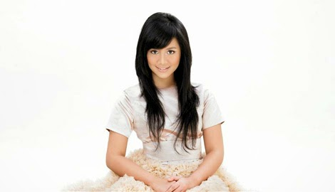 Lirik Lagu: Gita Gutawa - Rangkaian Kata