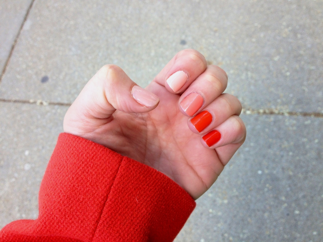 Stranded in Chicago: Embracing the Trend: Ombré Nails