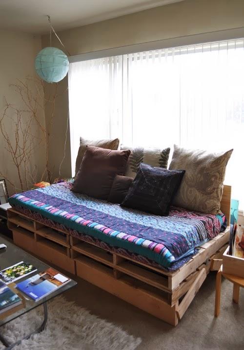 Home garden 20 id es pour transformer des palettes en - Matelas pour canape palette ...