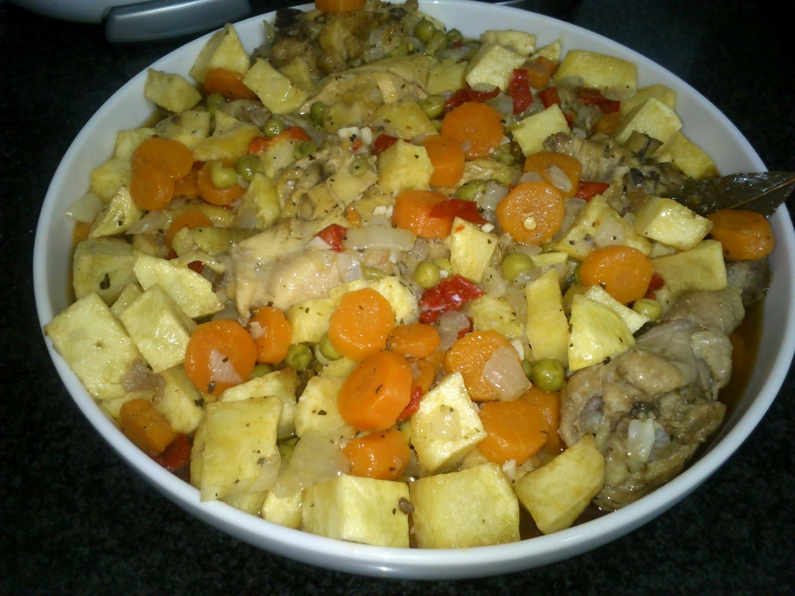 Un momento dulce pollo guisado con patatas for Cocinar xoubas
