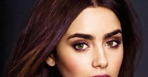 Lily Collins Gorgeous In Lace