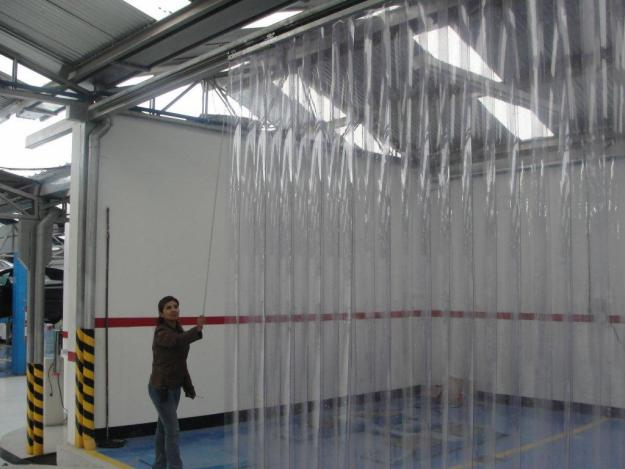 Todo en plasticos cortinas plasticas industriales for Ganchos de plastico para cortinas