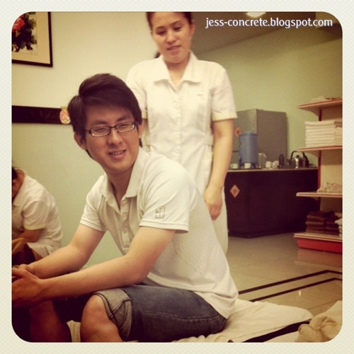 His first time experience in foot massage. Whoa~ his first time given ...