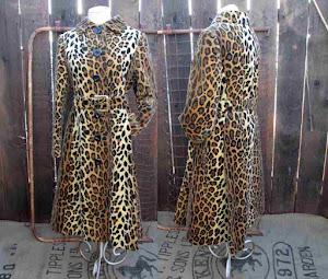 Vintage 70s Leopard velvet Coat