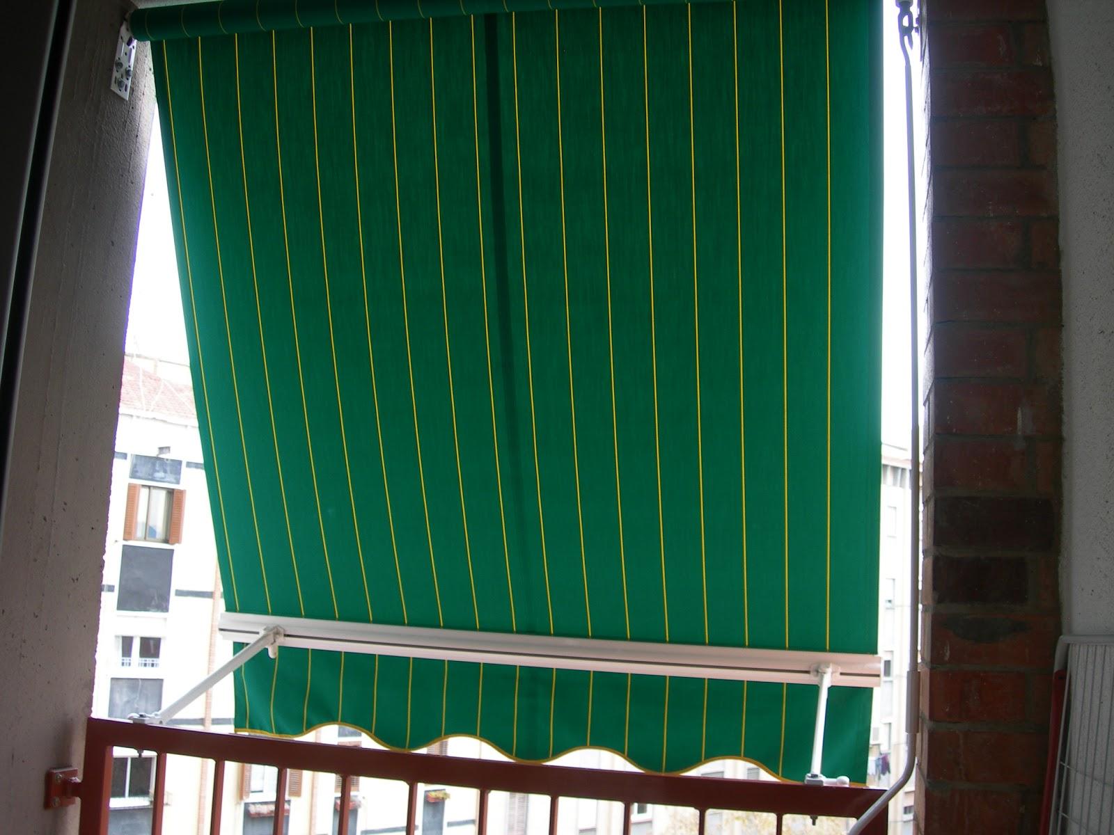 Toldos campos toldo brazo balcon paris for Toldos de balcon