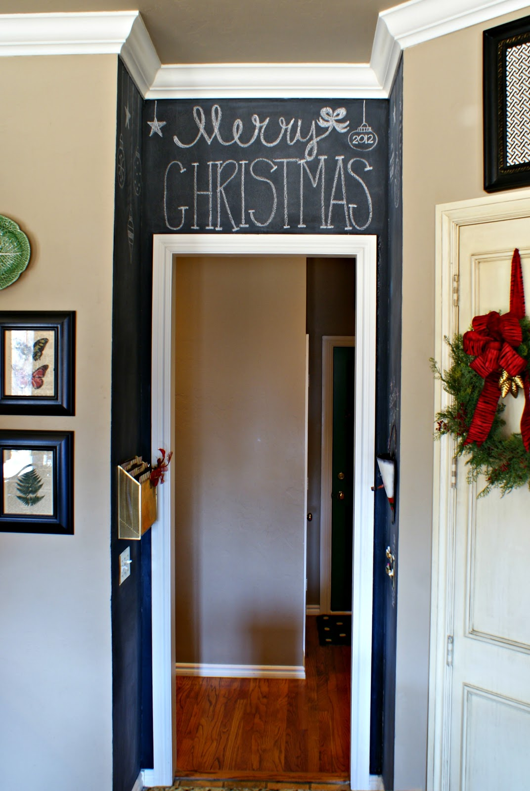Dimples and tangles kitchen chalkboard wall - Kitchen chalkboard paint ideas ...