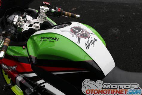 Modifikasi Kawasaki Ninja 250 FI Ala ZX-6R 636