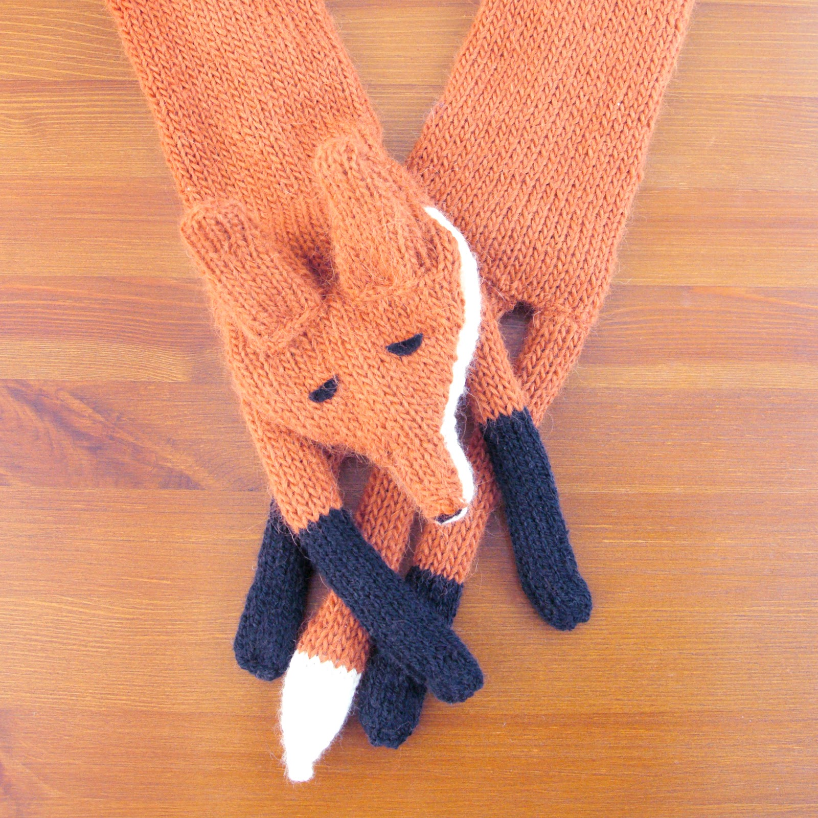 Knitting Pattern Fox Scarf : WHAT IVE BEEN KNITTING: FOX STOLE SINCERELY LOUISE