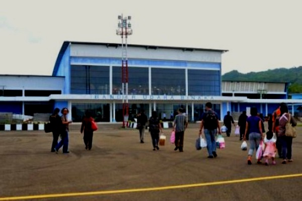 Bandara Binaka, Gunung Sitoli, Sumatera Utara. ZonaAero