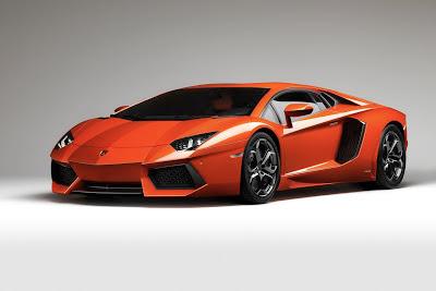 Gambar mobil Lamborghini Aventador LP700