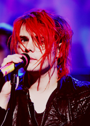 Gerard Way :3