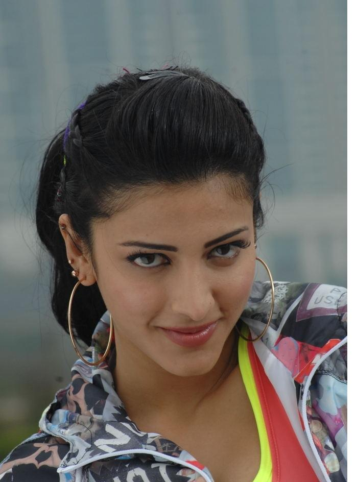 Shruthi Hassan Latest