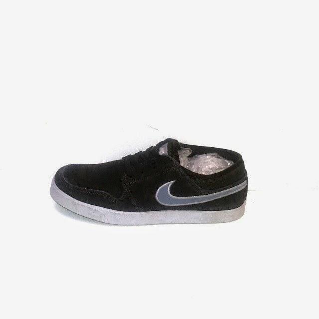 nike hitam,sepatu hitam,sepatu murah