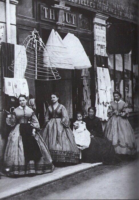 The look la moda en la historia era victoriana for Victorian decor store