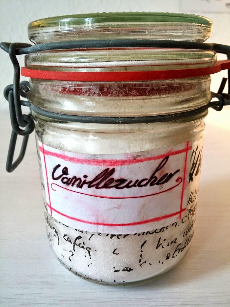 Selbstgemachter Vanillezucker im Einweck-Glas.