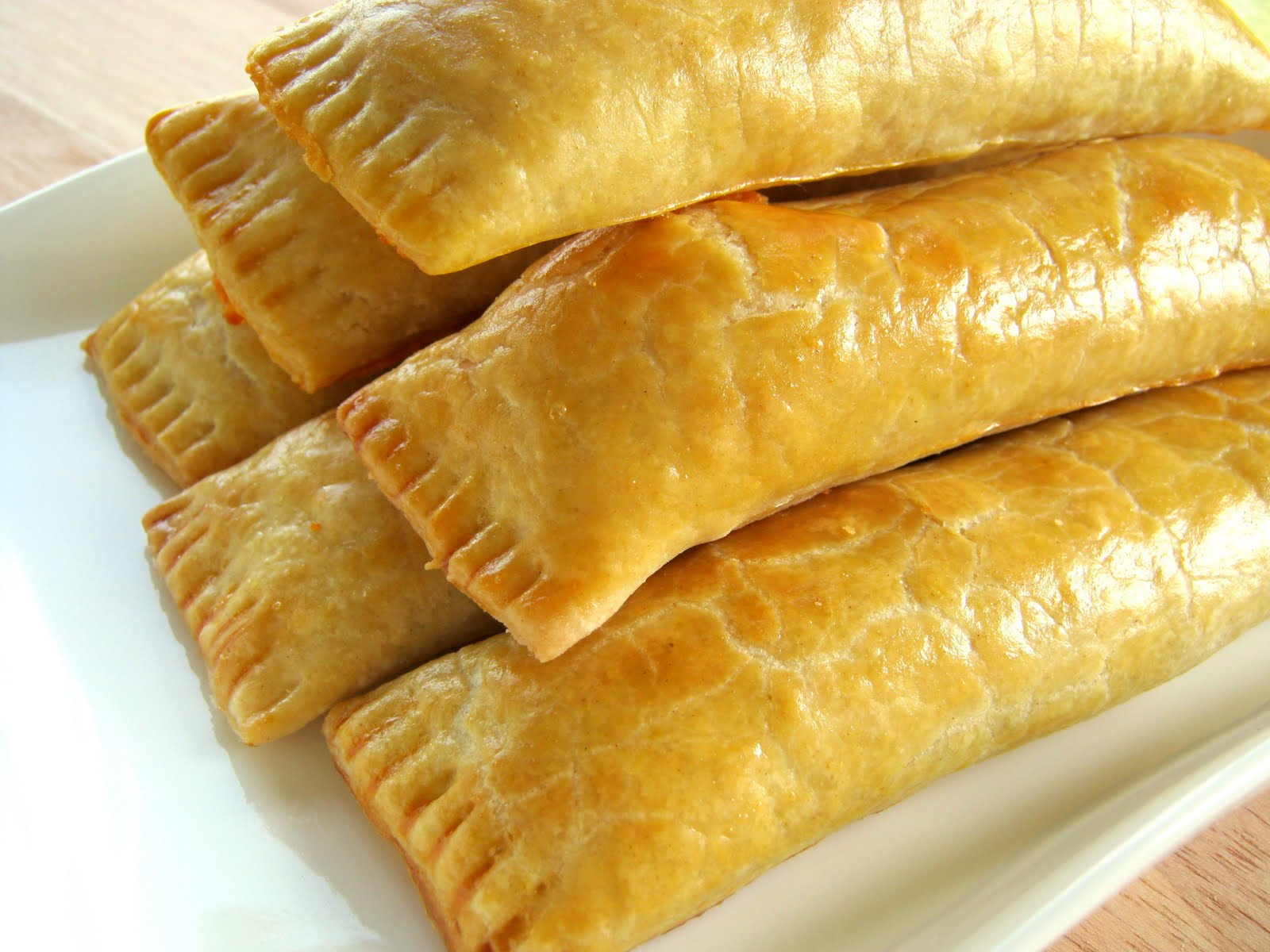 guyanese cheese roll