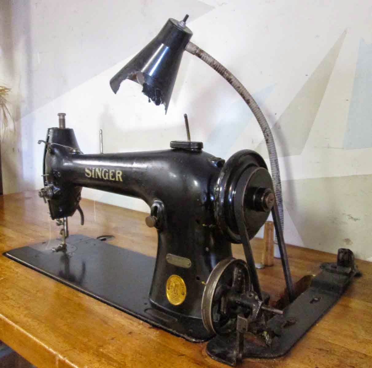 Uhuru Furniture Collectibles Sold Industrial Singer Sewing Machine 100
