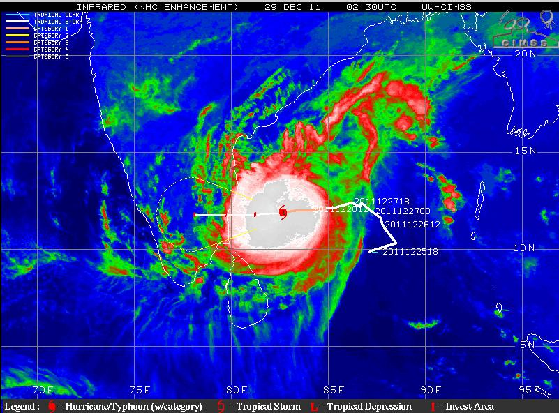 Indian Weather Man Iwm Cyclone Quot Thane Quot Slowly