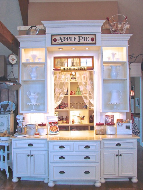 http://www.sugarpiefarmhouse.com/7-reasons-why-i-switched-from-plastic-to-glass-in-my-kitchen