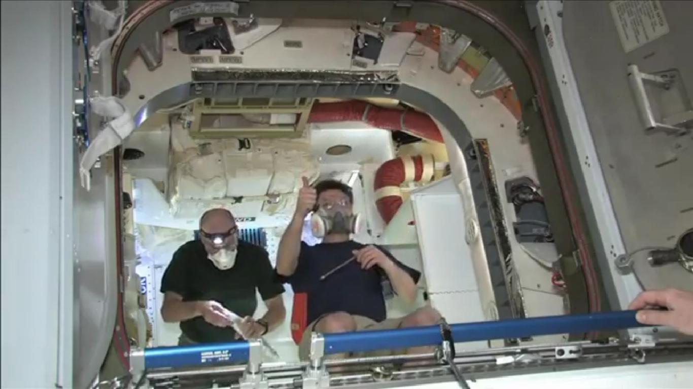 News Spazio Portellone Aperto Gli Astronauti Della
