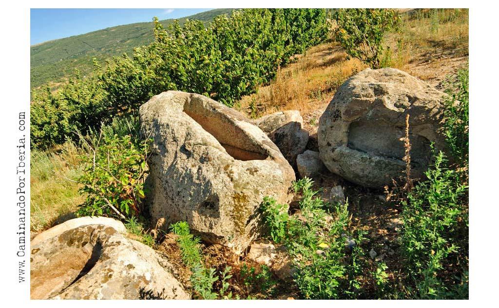 Caminando por iberia rebollar la puerta al valle - Baneras pequenas roca ...