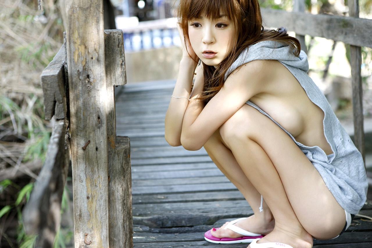 У японок и в транспорте 15 фотография