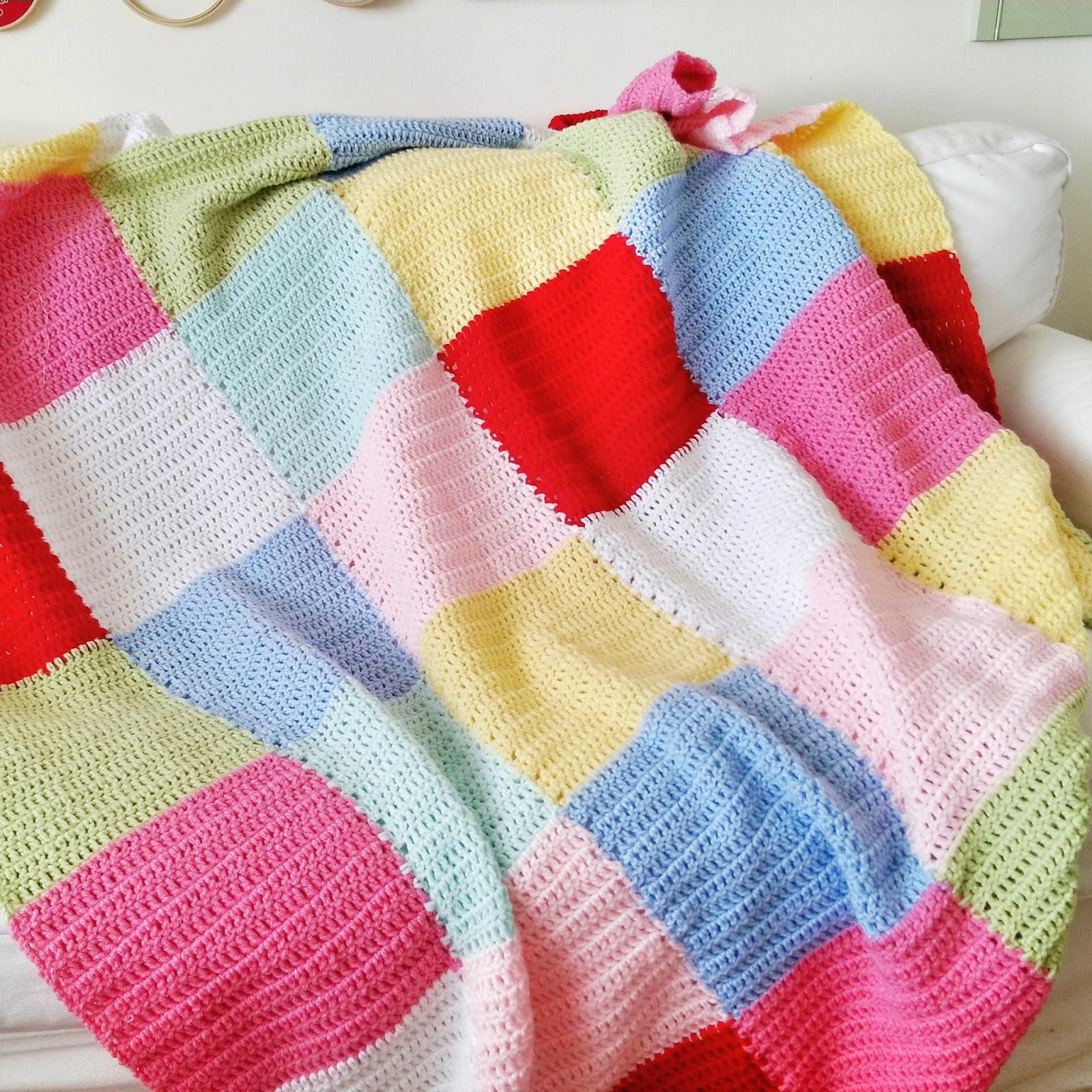Hopscotch lane patchwork crochet blanket - Mantas de ganchillo para sofas ...