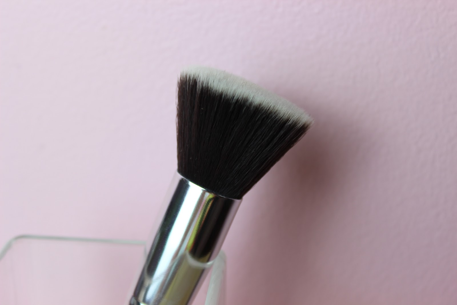 A affordable pink makeup foundation brush
