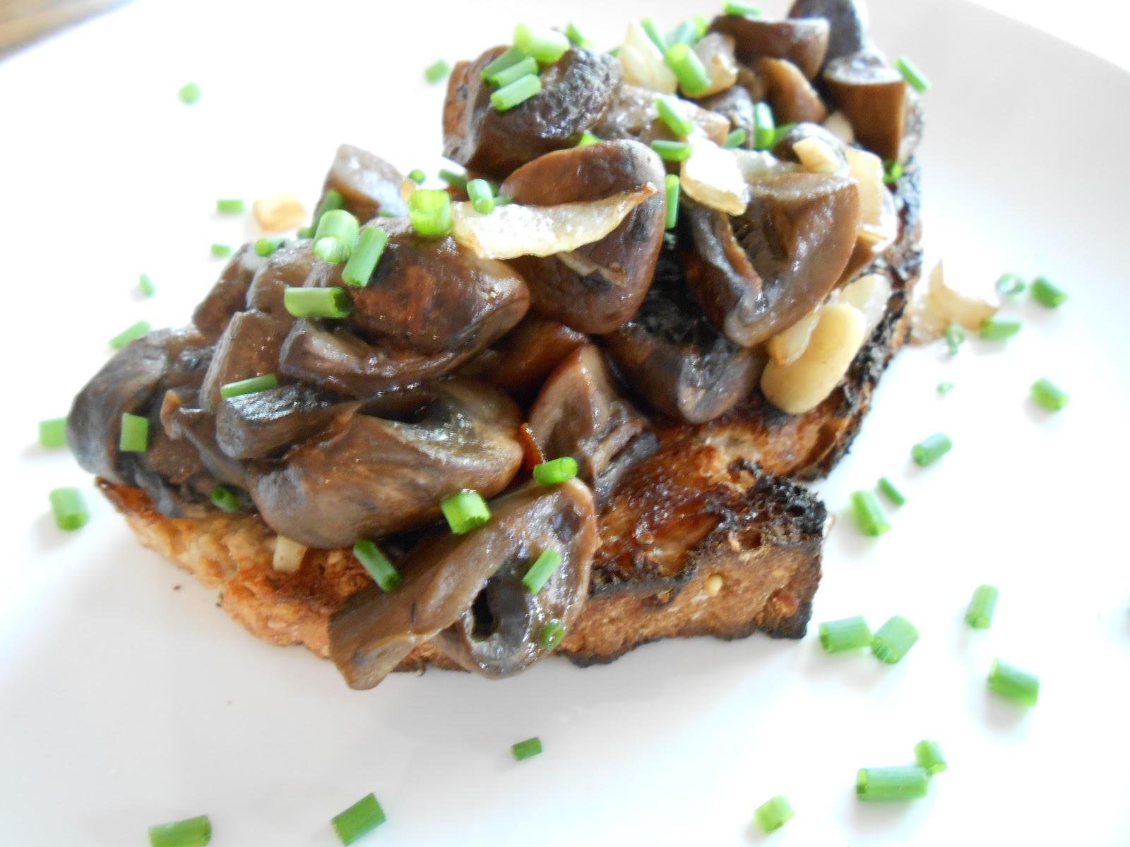 Truffled Mushroom Bruschetta - flora foodie